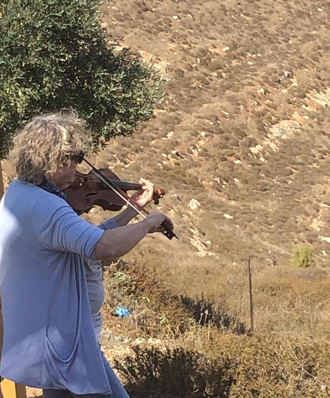 2019-now-in-jerusalem-3-ruth-violin